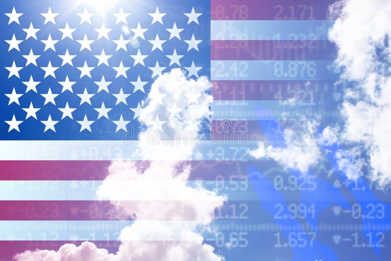 Concepto de la guerra comercial con nosotros bandera en backgroun del stockwall del cielo nublado fotos de archivo libres de regalías