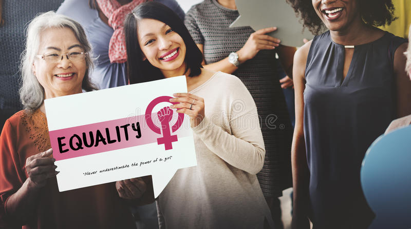 Concepto de la igualdad de oportunidades del feminismo del poder de la muchacha de las mujeres imagenes de archivo