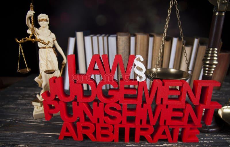 Concepto de la ley y de la justicia, código legal y escalas fotografía de archivo libre de regalías