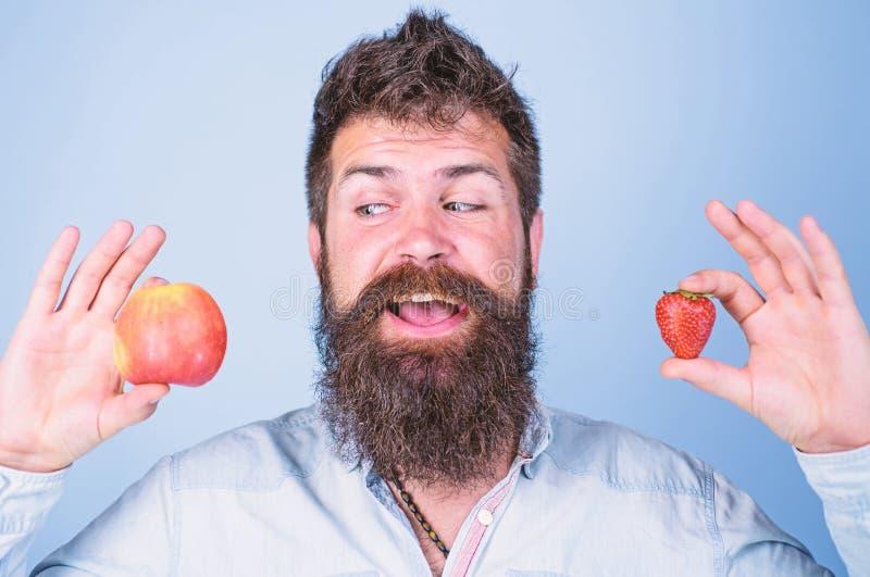 Concepto de la nutrición de la fruta de la vitamina Vitamina de dieta de la atención sanitaria Sirva los controles sonrientes bar fotografía de archivo libre de regalías