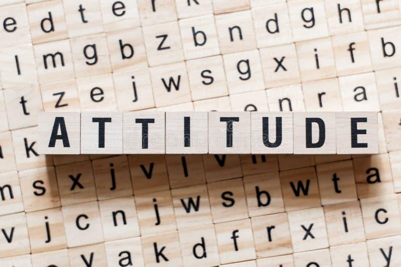 Concepto de la palabra de la actitud en los cubos fotografía de archivo libre de regalías