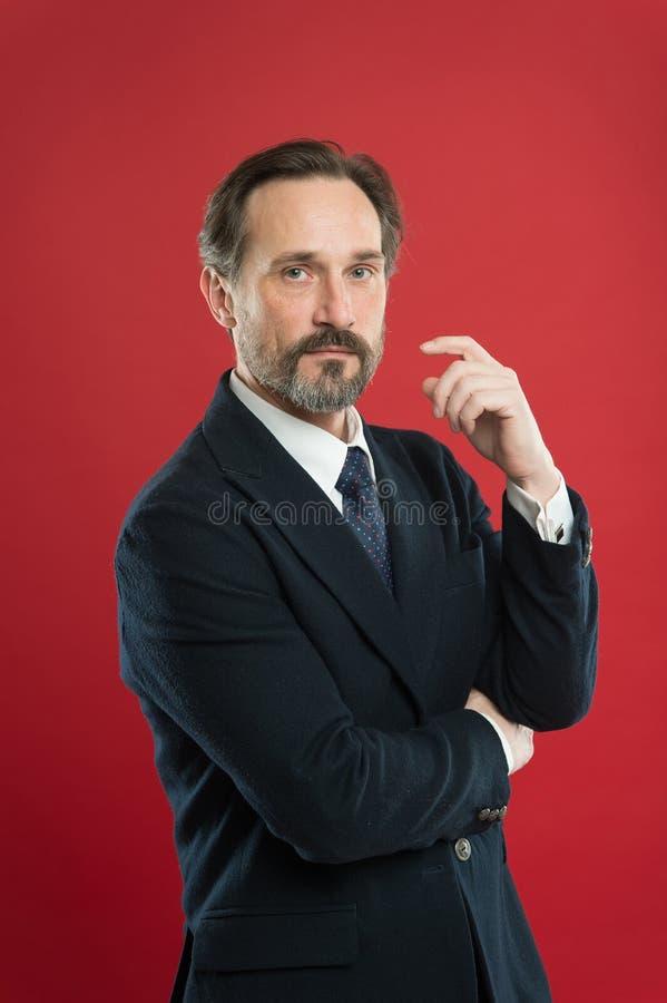 Concepto de la primera impresi?n Equipo de moda del hombre de negocios Traje atractivo del desgaste de hombre Equipo elegante per fotografía de archivo