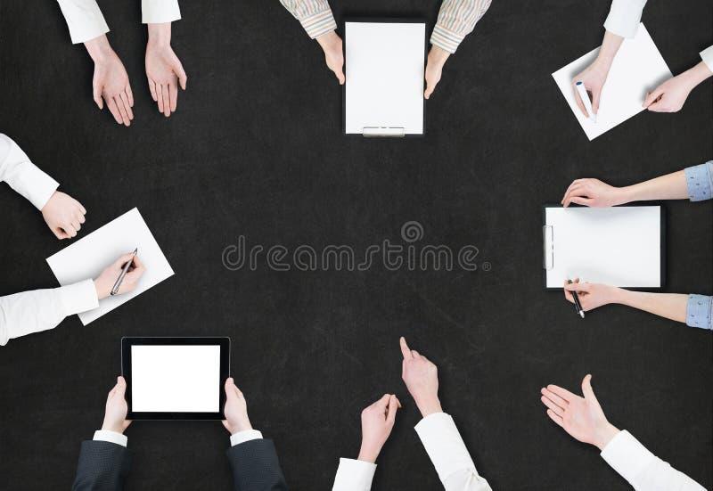 Concepto de la reunión de reflexión/opinión aérea hombres de negocios fotos de archivo