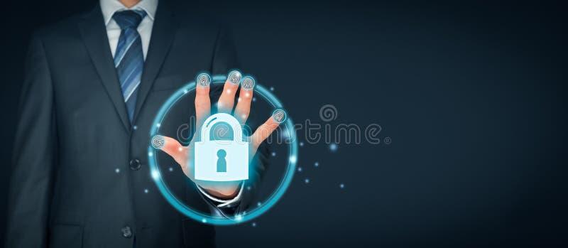 Concepto de la seguridad con la identificación y el authe del tacto de la huella dactilar fotografía de archivo libre de regalías