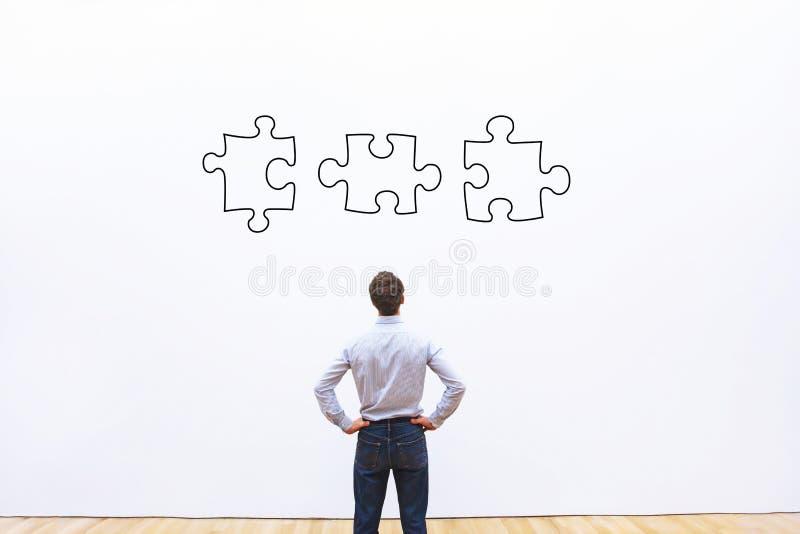 Concepto de la solución del negocio, rompecabezas fotografía de archivo libre de regalías