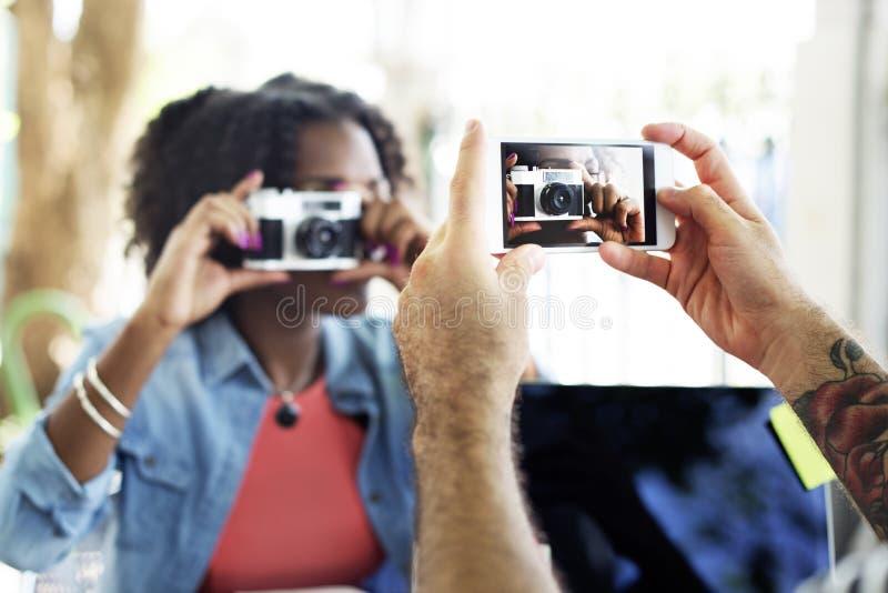 Concepto de la tecnología de la captura del teléfono de la cámara de la fotografía imagenes de archivo