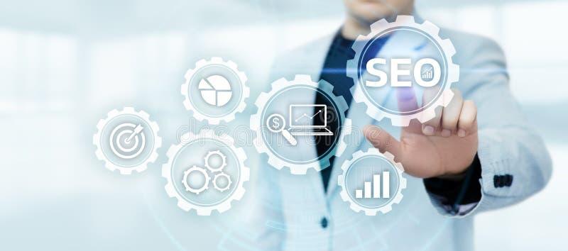 Concepto de la tecnología del negocio de Internet del sitio web del tráfico de la graduación de SEO Search Engine Optimization Ma foto de archivo libre de regalías