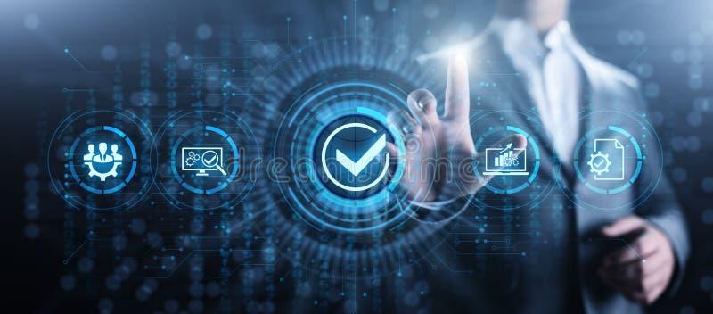 Concepto de la tecnolog?a del negocio del control de la garant?a de las normas de calidad ISO imagen de archivo libre de regalías