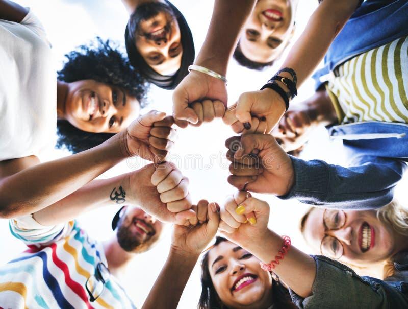 Concepto de la unidad del puño de la amistad de los amigos imágenes de archivo libres de regalías