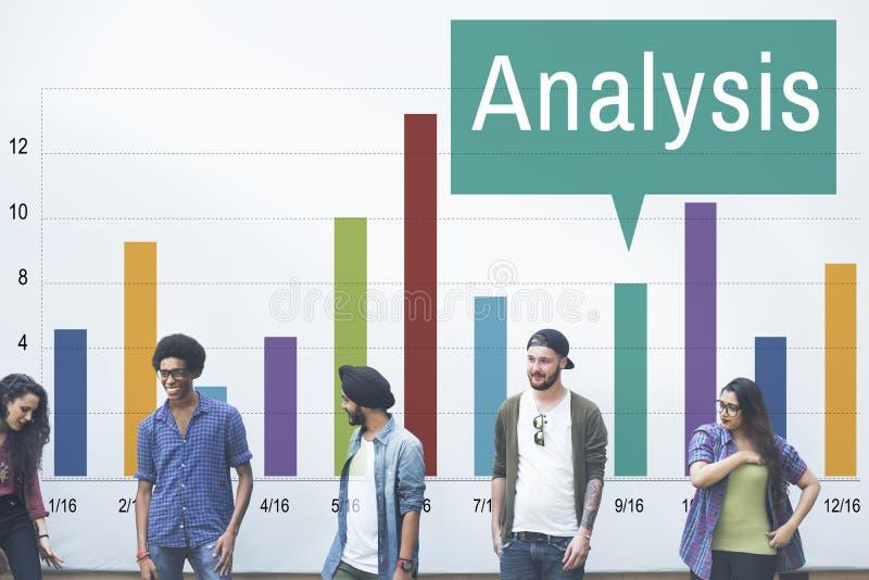 Concepto de las estadísticas del crecimiento del gráfico del Analytics del análisis foto de archivo libre de regalías