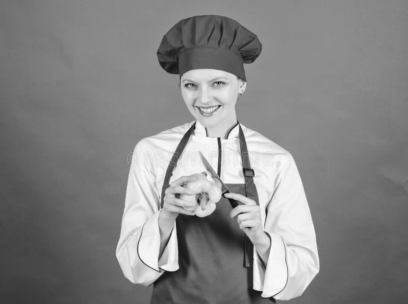Concepto de las habilidades del cuchillo Elija el cuchillo apropiado Fundamentos culinarios Los mejores cuchillos a comprar Tenga fotografía de archivo libre de regalías