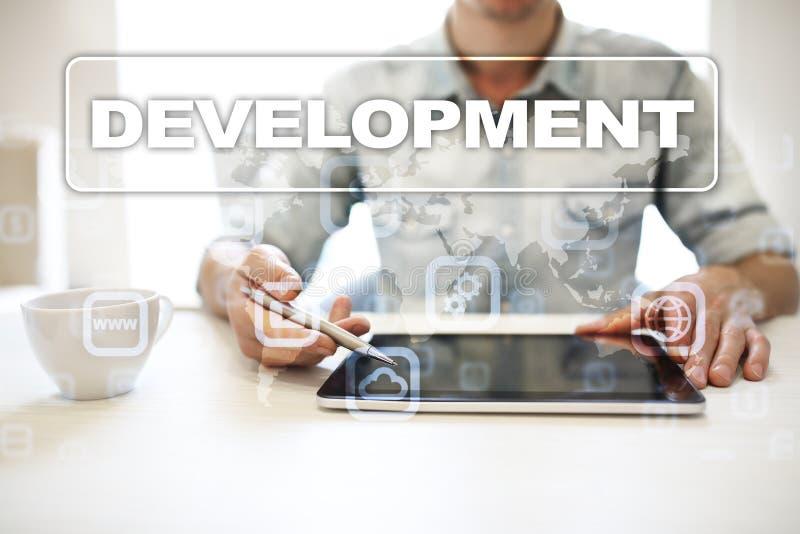 Concepto de las herramientas de desarrollo web en la pantalla virtual Lenguaje de programación y escrituras PHP, SQL, HTML, Java  imagen de archivo