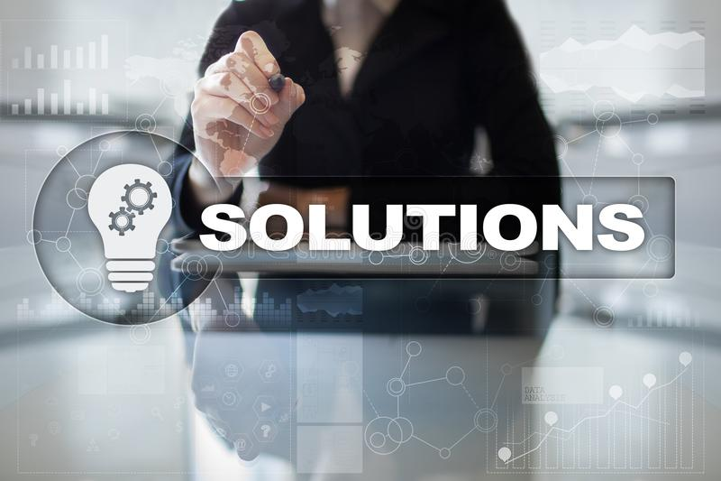 Concepto de las soluciones del negocio en la pantalla virtual foto de archivo libre de regalías