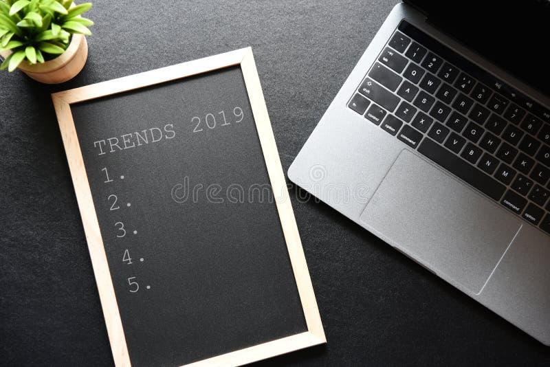 Concepto 2019 de las TENDENCIAS imágenes de archivo libres de regalías