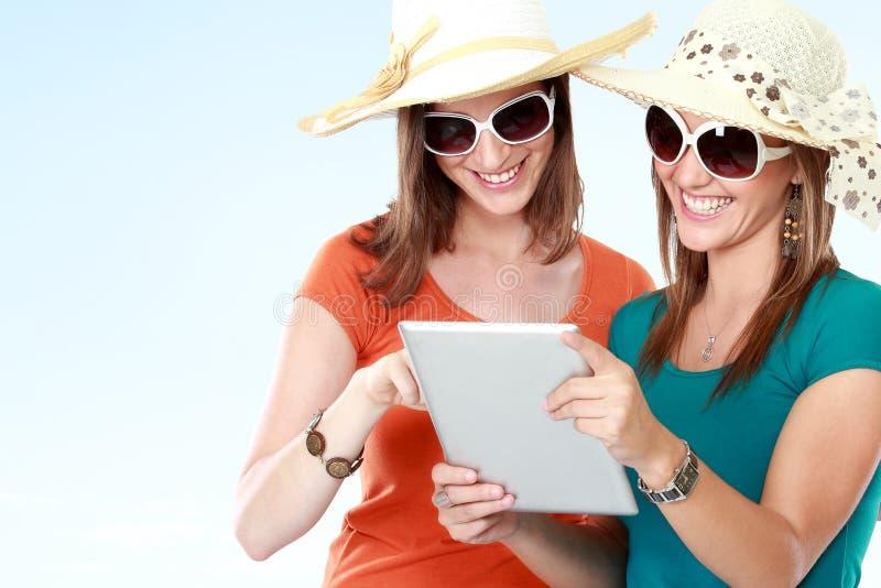 Concepto de las vacaciones de verano, de la tecnología y de Internet fotografía de archivo libre de regalías