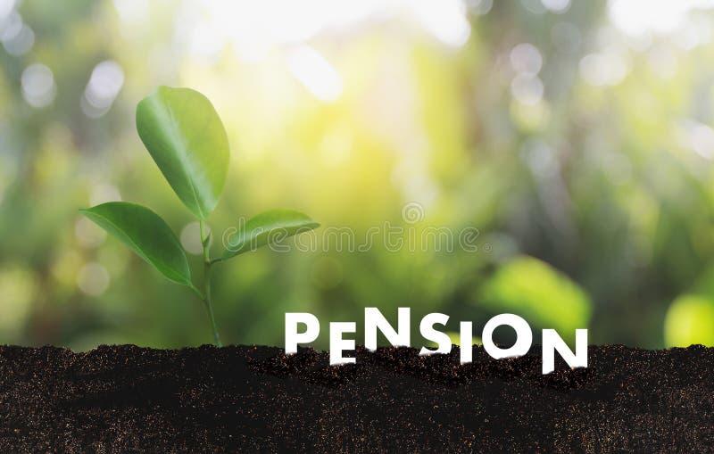 Concepto de los ahorros del dinero de la pensión y retiro y peopl financieros fotos de archivo