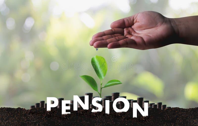 Concepto de los ahorros del dinero de la pensión y retiro y peopl financieros fotos de archivo libres de regalías