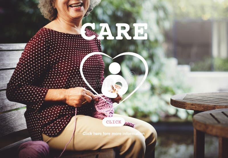 Concepto de maternidad de la vida del corazón de los niños del cuidado fotografía de archivo libre de regalías