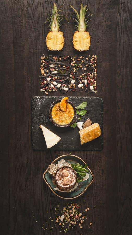 Concepto de minimalismo moderno del diseño de la comida, top puesto plano del estilo VI fotos de archivo