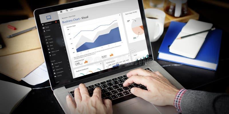 Concepto de pensamiento de Using Laptop Working del hombre de negocios imagen de archivo libre de regalías