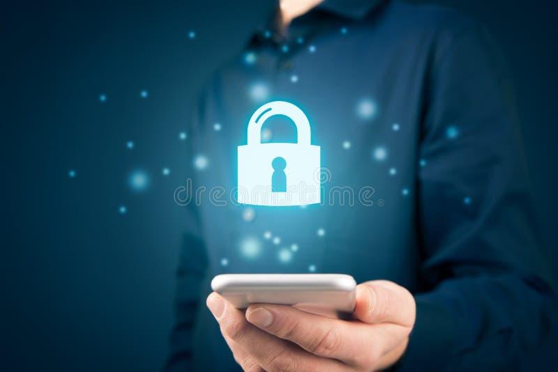 Concepto de seguridad para teléfonos inteligentes imágenes de archivo libres de regalías
