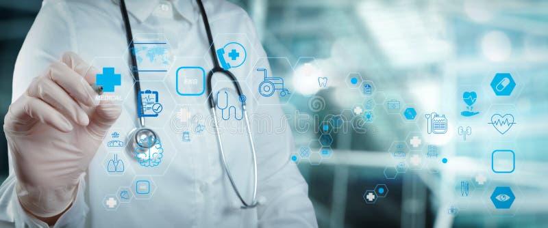 Concepto de servicios de atención de la salud y tecnología médica fotografía de archivo libre de regalías