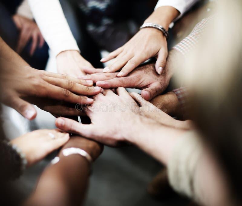Concepto de Team Teamwork Join Hands Partnership fotografía de archivo libre de regalías