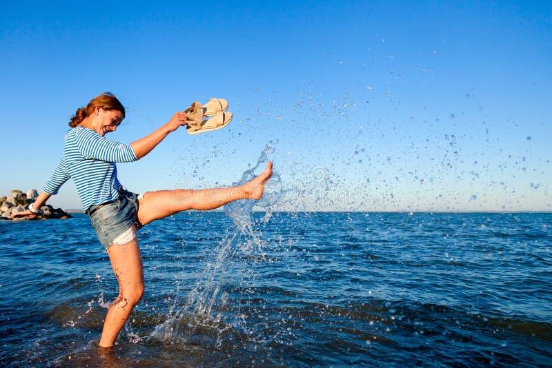 Concepto de vacaciones de verano en el mar y el estilo vivo imágenes de archivo libres de regalías