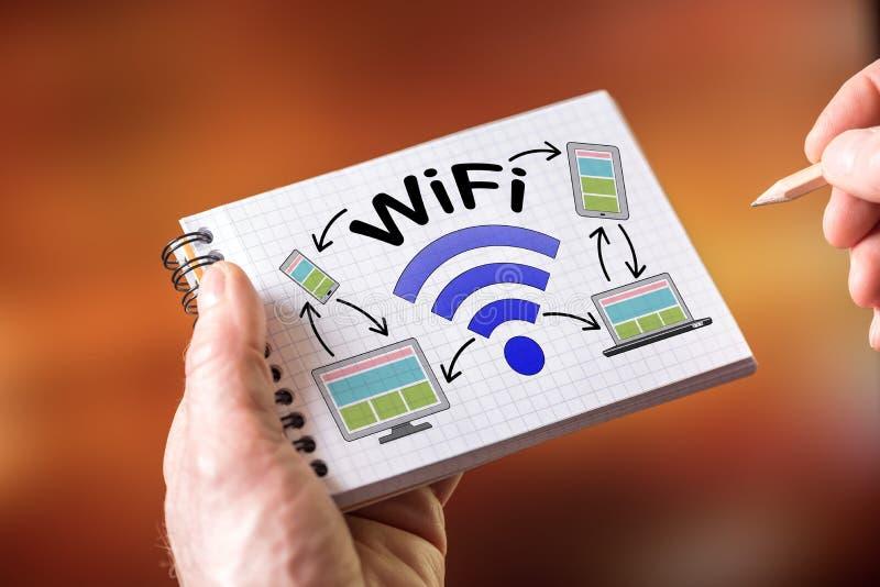 Concepto de Wifi en una libreta foto de archivo