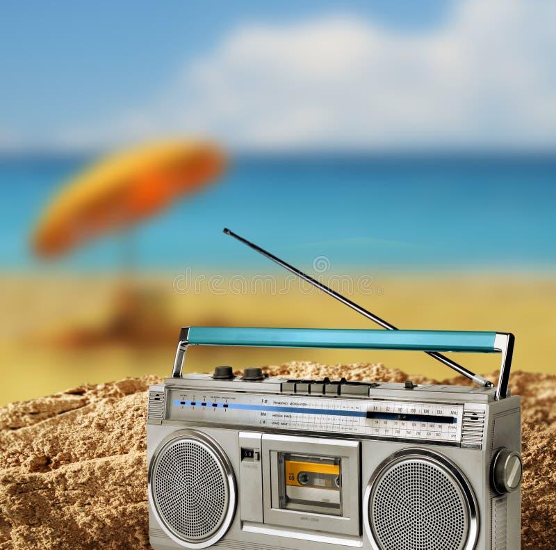 Concepto del día de fiesta del engranaje de la playa del vintage foto de archivo libre de regalías