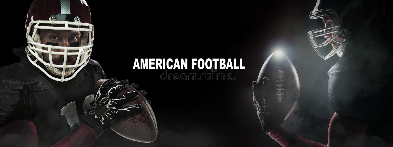 Concepto del deporte Jugador del deportista del fútbol americano en fondo negro con el espacio de la copia Concepto del deporte fotografía de archivo libre de regalías