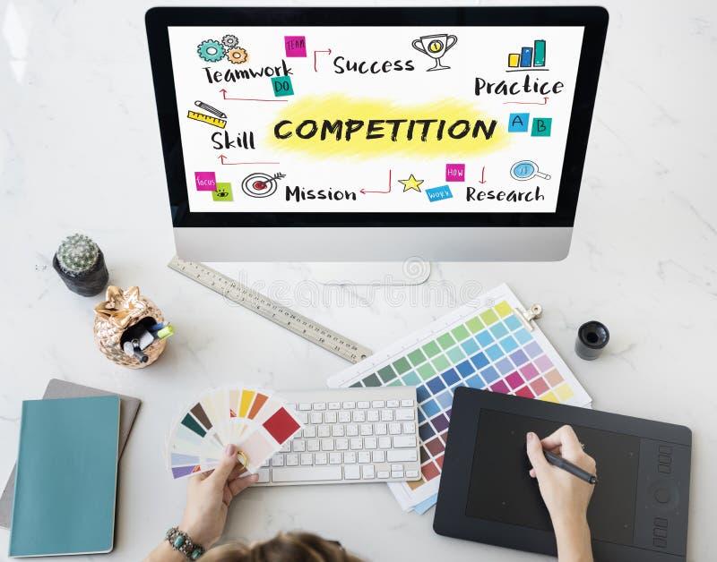 Concepto del desarrollo del éxito del objetivo de la meta de la competencia fotos de archivo