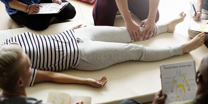 Concepto del entrenamiento del masaje de la salud de la salud imagen de archivo