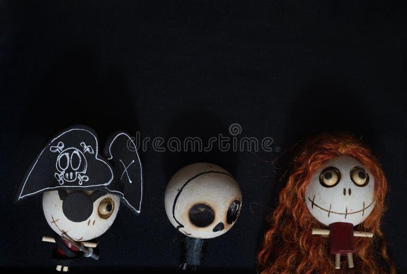 Concepto del fondo de Halloween con el espacio de la copia, el muchacho y el fantasma de la muchacha fotografía de archivo libre de regalías