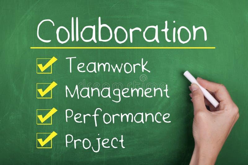 Concepto del funcionamiento del trabajo en equipo de la colaboración fotos de archivo