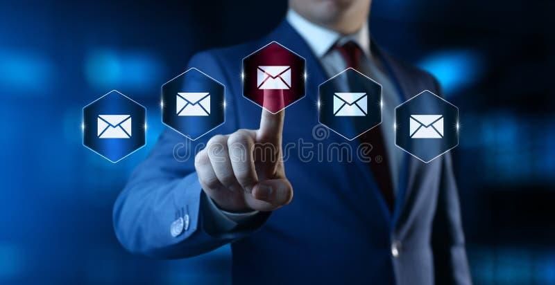 Concepto del Internet de la tecnolog?a del negocio de la comunicaci?n de marketing del email imagen de archivo libre de regalías