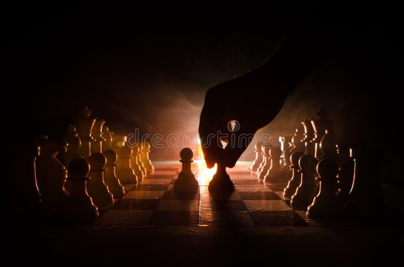 Download Concepto Del Juego De Mesa Del Ajedrez De Concep De Las Ideas Del Negocio Y De Las Ideas De La Competencia Y De La Estrategia El Foto de archivo - Imagen de derrota, pedazo: 100535760