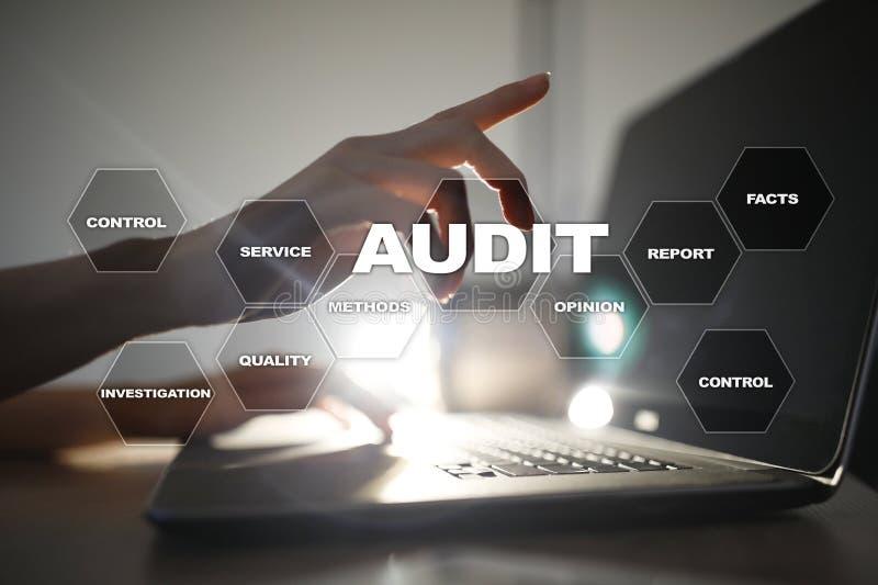 Concepto del negocio de la auditoría interventor conformidad Tecnología de la pantalla virtual imagen de archivo