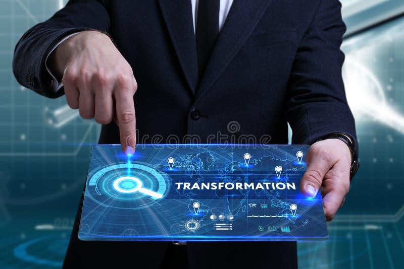 Concepto del negocio, de la tecnología, de Internet y de la red Busine joven fotografía de archivo libre de regalías