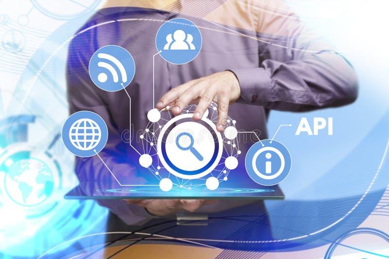 Concepto del negocio, de la tecnología, de Internet y de la red Busine joven foto de archivo