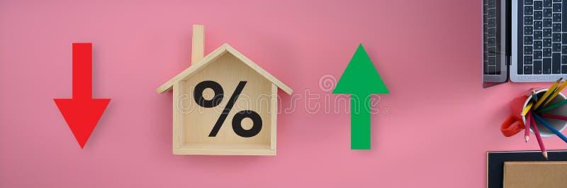 Concepto del negocio de los tipos de préstamo hipotecario de tipos de interés de vivienda de las propiedades inmobiliarias de la  foto de archivo libre de regalías