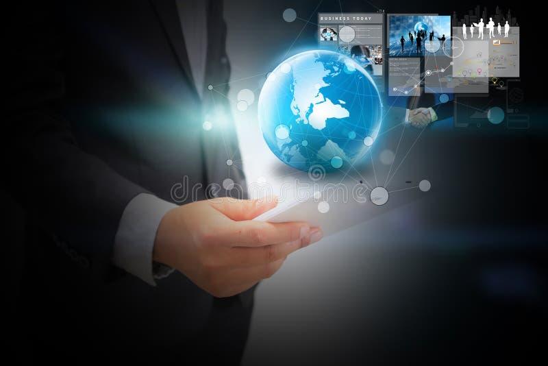 Concepto del negocio global con el hombre de negocios en fondo fotos de archivo