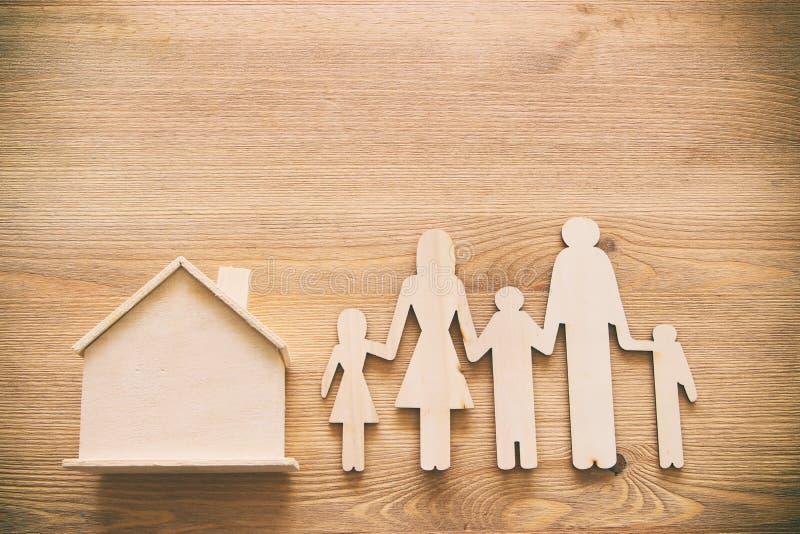 Concepto del seguro vida familiar, financiero y problemas de salud imagen de archivo