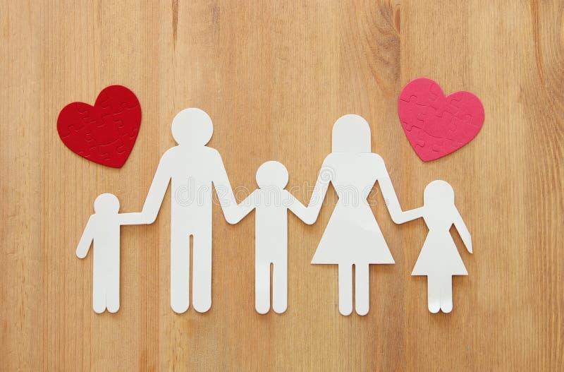 Concepto del seguro vida familiar, financiero y problemas de salud fotografía de archivo libre de regalías
