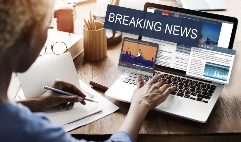 Concepto del Social del aviso de los medios de noticias de última hora foto de archivo libre de regalías