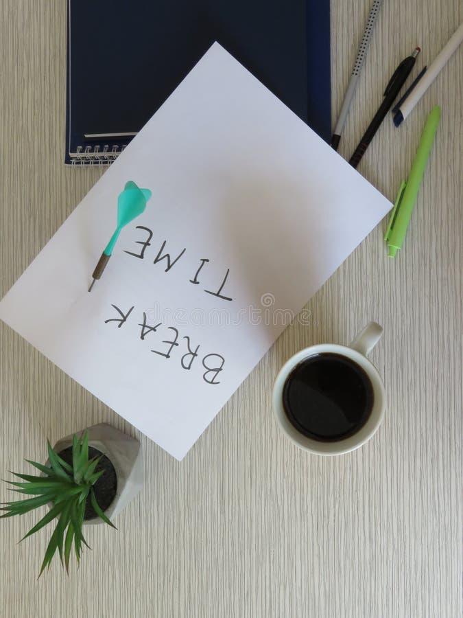 Concepto del tiempo de la rotura Mañana del negocio, tiempo de la rotura, tiempo del café Composición del fondo del tiempo de la  foto de archivo libre de regalías