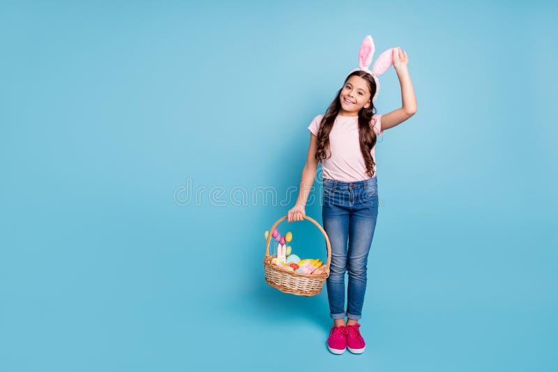 Concepto del tiempo libre del domicilio familiar del partido de Pascua Foto integral del tamaño de cuerpo de emocionado alegre ag imagen de archivo