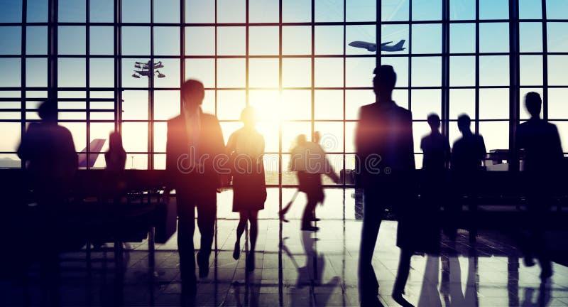 Concepto del viaje de negocios del viaje del terminal de aeropuerto internacional fotografía de archivo libre de regalías