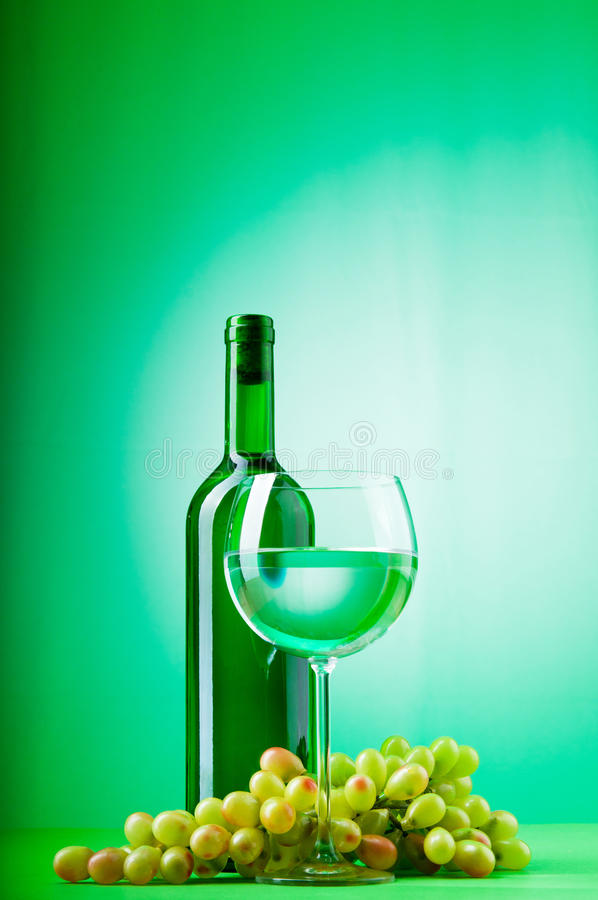 Concepto del vino con gradiente fotos de archivo libres de regalías