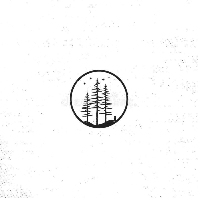 Concepto dibujado mano de la insignia del bosque Ejemplo texturizado del vector de los árboles de pino con las estrellas Aislado  ilustración del vector